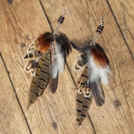 Cercei lungi cu pene naturale variate